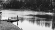 Parenthèses imaginaires en Dordogne - Un BG en train de pêcher