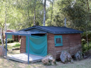 et hop, la même cabane avec une toiture toute neuve...