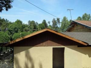 Le toit des sanitaires avaient besoin d'une bonne réfection.