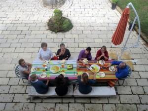 Un repas joyeux, copieux et réconfortant
