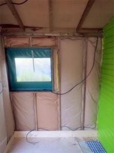 Etape 2 : Passage des câbles électriques  - Remarquez bien que le mur central a été repeint.