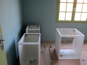 Les meublent attendent sagement leur place définitive