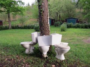 Des sanitaires façon Duchamp