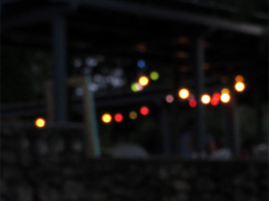 Reflets de lampion... C'est tout ce dont je me souviens de l'apéro... ;-)