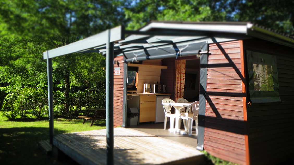 cabane-glamping-entre-amis-camping-insolite