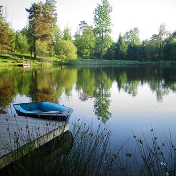 camping-peche-dordogne-aquitaine-barque